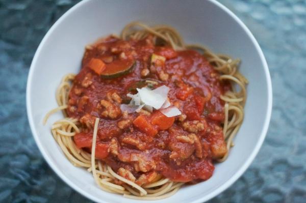 whole wheat spaghetti vegetables turkey meat sauce simply social blog