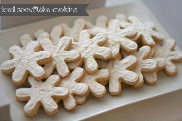 iced snowflake sugar cookies, royal icing, snowflake sugar cookies, winter wonderland first birthday party, simply social blog