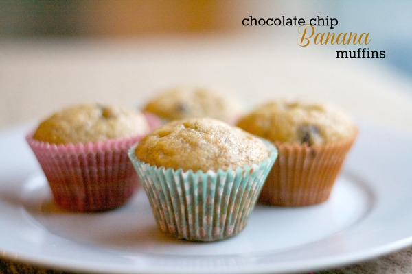 banana chocolate chip muffin, recipes, breakfast, banana muffin, dessert