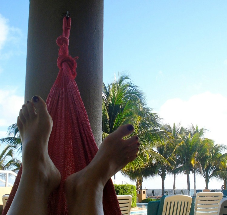 tips for a rest day, running tips, how not to sabotage a rest day, cancun, hammock