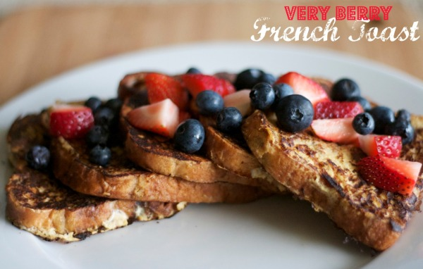 french toast with fresh berries, breakfast, brunch, french toast recipe, cooking, recipes, cinnamon raisin french toast