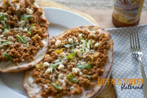 buffalo turkey flatbread, buffalo recipes, turkey recipes, flatbread, pizza recipes, grilled turkey flatbread, recipes, dinner, hot sauce
