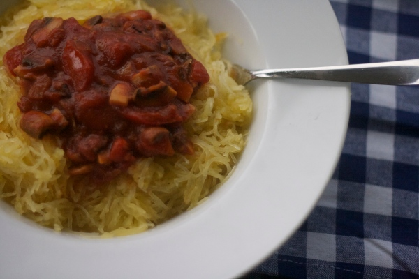 spaghetti squash recipes, meatless spaghetti, mushroom and shallot marinara, whole 30 approved spaghetti, vegetarian, italian, whole foods