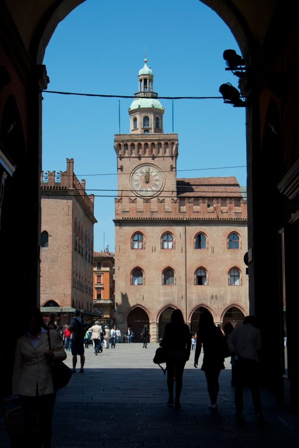 Bologna, italy, honeymoon in Italy, San Luca, basilica, bolognese, open markets, porticoes, travel, summer in italy, bolognese food