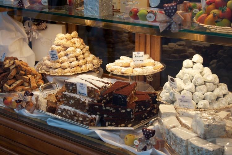 Florence, firenze, Italy, honeymoon in italy, honeymoon, wedding, travel, duomo, ponte vecchio, tuscany, la scaletta, palazzo pitti, boboli gardens, renaissance art,