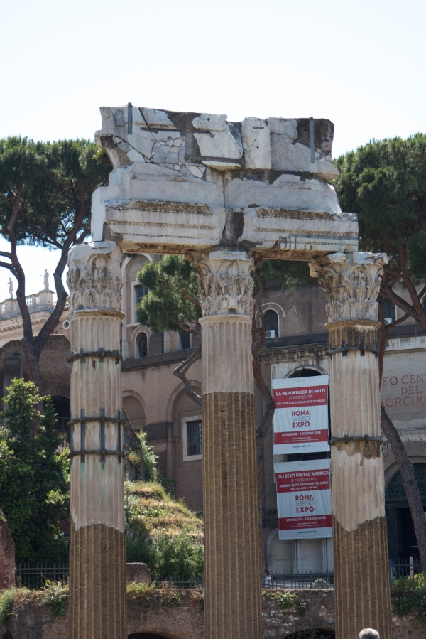 Rome, Roma, Coliseum, pantheon, honeymoon in italy, Italy, michelangelo, Roman Forum, visiting rome, rationalist movement, bernini
