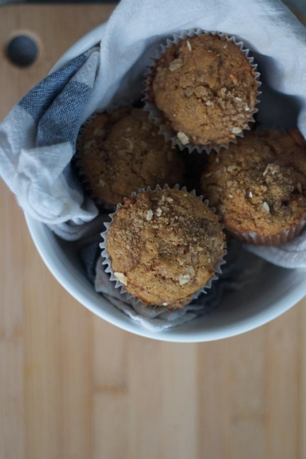 pumpkin apple muffins, pumpkin recipes, fall, autumn, muffins, breakfast, brunch, baking, recipes,