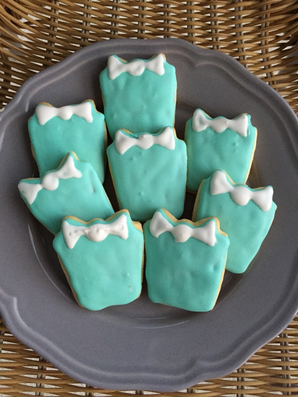 sugar cookies, royal icing, baking, breakfast at tiffany's cookies, bridal shower, dessert, tiffany blue sugar cookies