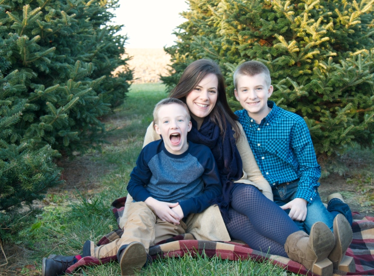 christmas card photos, christmas tree farm, holiday photos, christmas, family, photography