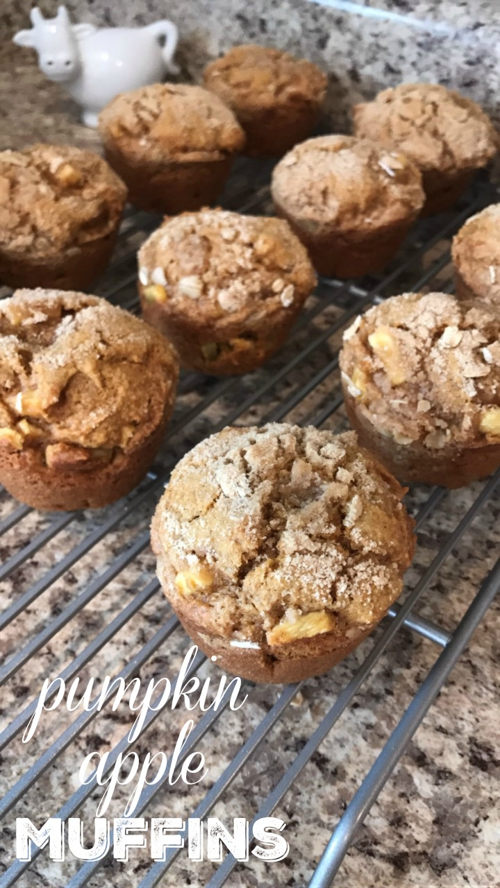 pumpkin apple muffins, pumpkin, baking, fall recipes, pumpkin muffins, fall, autumn, breakfast, dessert